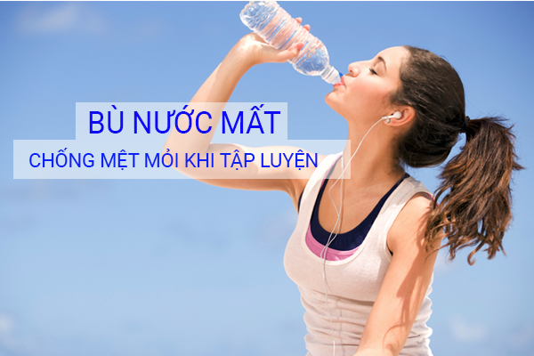 Nước uống đóng chai tiện lợi, dễ mang theo khi tập luyện, hỗ trợ chống mất nước cho cơ thể