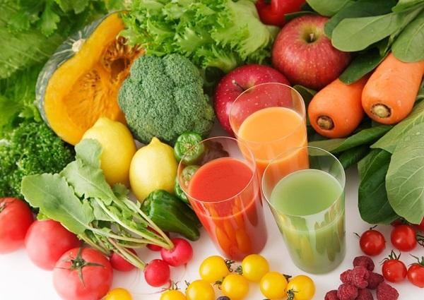 ăn nhiều rau xanh hạ sốt